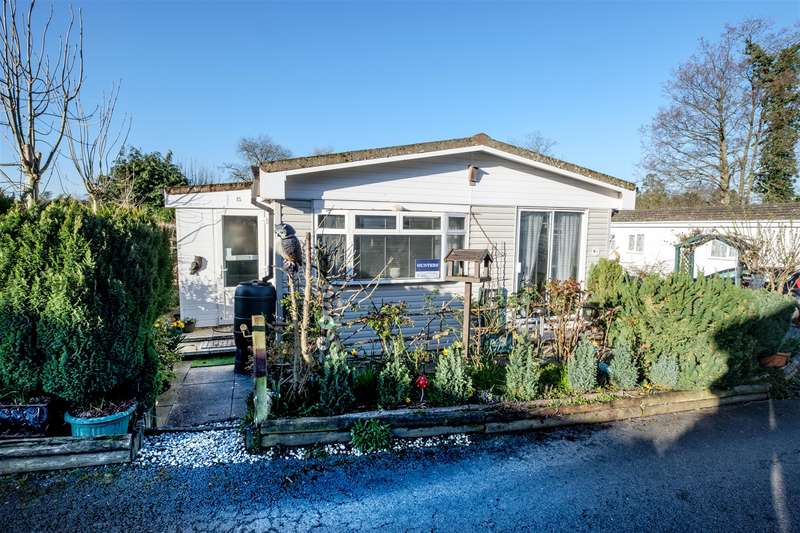 2 Bedrooms Park Home Mobile Home for sale in 15 Ash Way, Caerwnon Park, Builth Wells, LD2 3TS