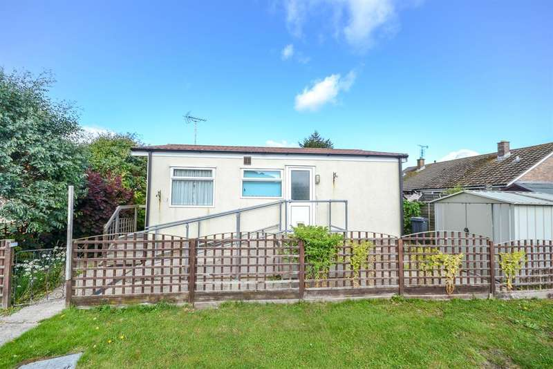 2 Bedrooms Park Home Mobile Home for sale in Dursley Vale Park, Cam, Gloucestershire. GL11 6HL