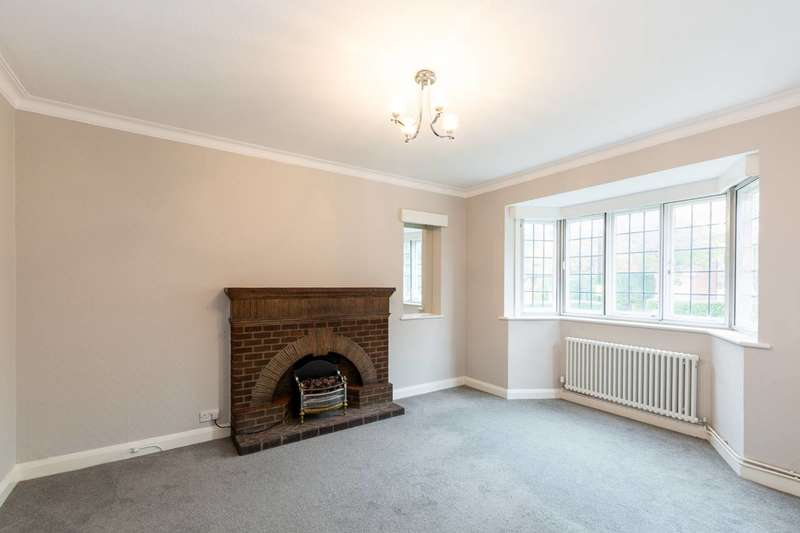 4 Bedrooms House for rent in Ashbourne Close, Ealing, W5