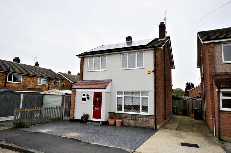 4 Bedrooms Detached House for sale in Dukes Farm Road, Billericay