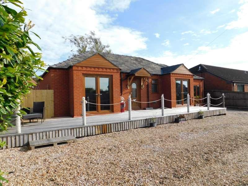 4 Bedrooms Detached Bungalow for sale in William Way, Wainfleet, Skegness, PE24 4GA