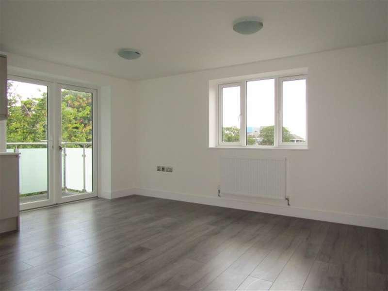 2 Bedrooms Flat for sale in PLOT 78 Beechwood Gardens, Slough, SL1 2HR