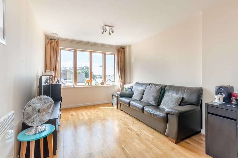 1 Bedroom Flat for sale in Luminosity Court, Ealing, W13