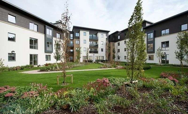 1 Bedroom Property for sale in Jenner Court, Cheltenham: **VIEWS OF THE GARDEN**