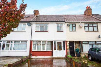 3 Bedrooms Terraced House for sale in New Park Avenue, Palmers Green, London, .