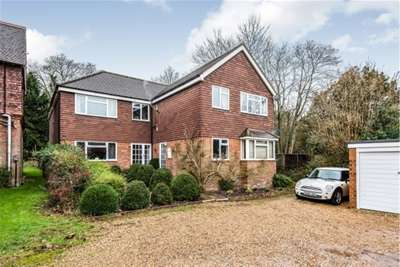 1 Bedroom Flat for rent in The Street, Shalford