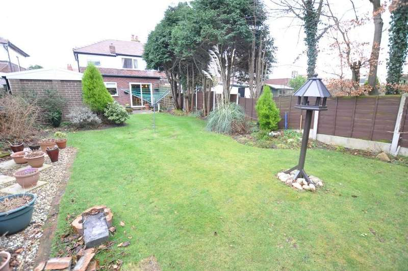 3 Bedrooms Semi Detached House for sale in Kingsmere Avenue, Lytham St. Annes