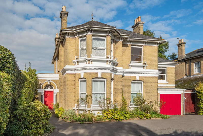4 Bedrooms Detached House for sale in Carisbrooke Road, Newport