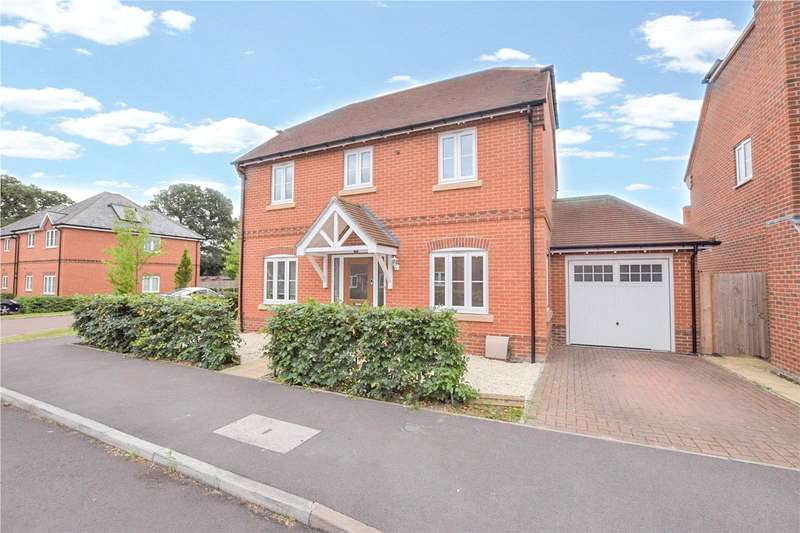 4 Bedrooms Detached House for rent in Blackberry Gardens, Winnersh, Wokingham, Berkshire, RG41
