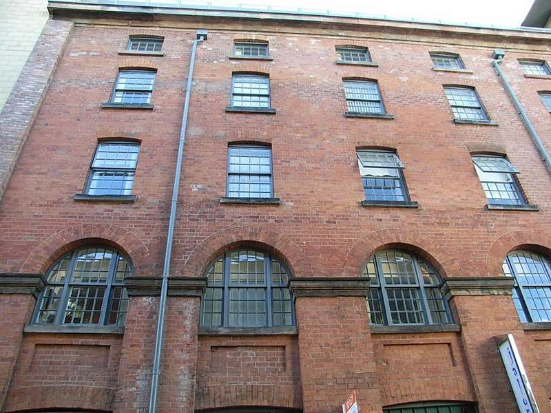 2 Bedrooms Apartment Flat for rent in Wood Street, City Centre L1