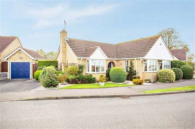 3 Bedrooms Detached Bungalow for sale in Chestnut Way, Mepal, Ely, Cambridgeshire