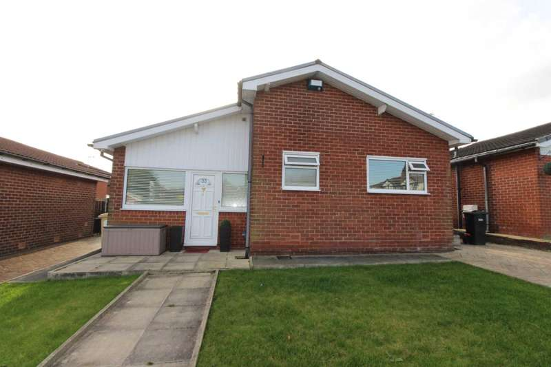 2 Bedrooms Bungalow for sale in Staverley Avenue