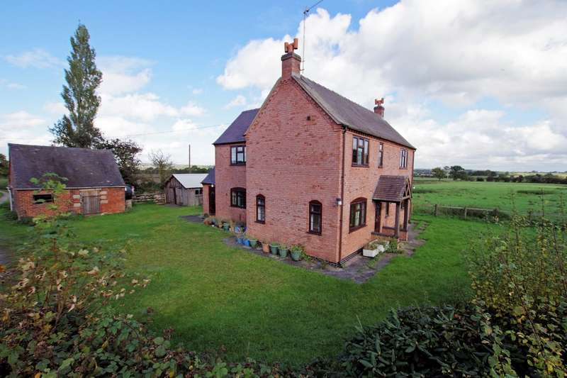 3 Bedrooms Detached House for sale in Bustomley Lane, Leigh