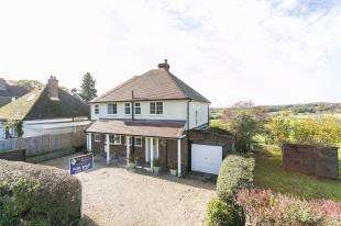 3 Bedrooms Detached House for sale in Brinkers Lane, Wadhurst, East Sussex