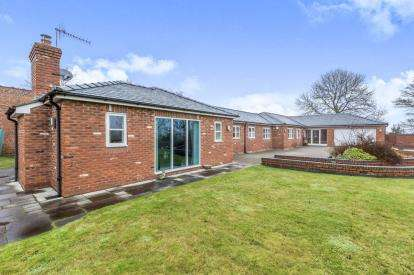 4 Bedrooms Bungalow for sale in Nursery Gardens, Butterton, Newcastle, Staffordshire