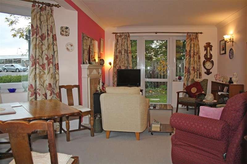 1 Bedroom Retirement Property for sale in Lavant Court, Charles Street, Petersfield