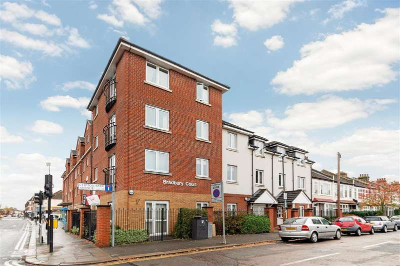 1 Bedroom Apartment Flat for sale in Bradbury Court, Clifton Park Avenue, Raynes Park