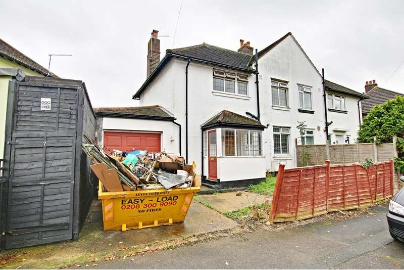 3 Bedrooms Property for sale in Mayeswood Road, Grove Park, London, SE12 9RR