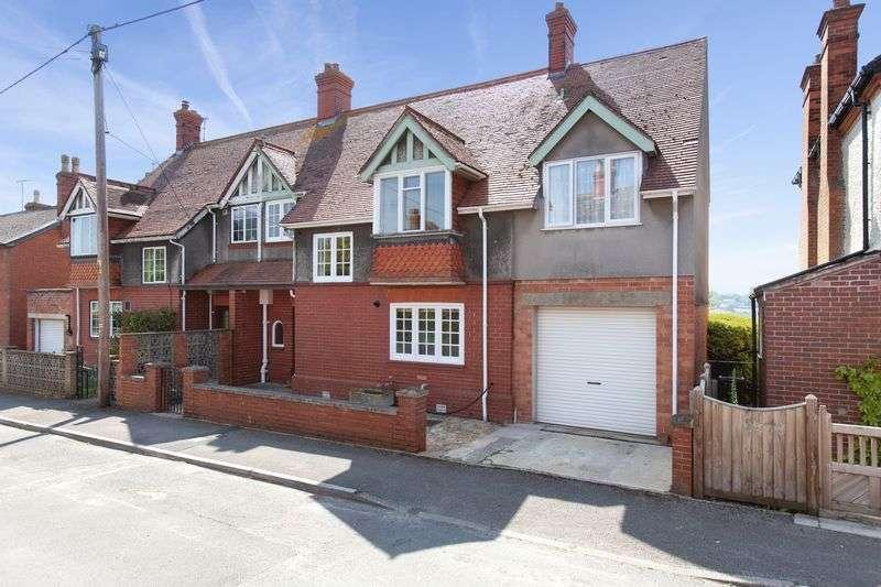 4 Bedrooms Property for sale in Avon Road, Devizes