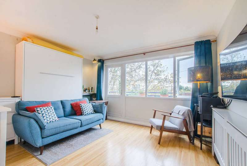 1 Bedroom Flat for sale in Friary Estate, Peckham, SE15