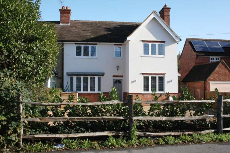 4 Bedrooms Semi Detached House for sale in Reading Road, Woodley, Reading, RG5