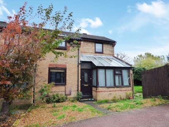 2 Bedrooms Semi Detached House for sale in Grantham Court, Milton Keynes, Buckinghamshire, MK5 7DP