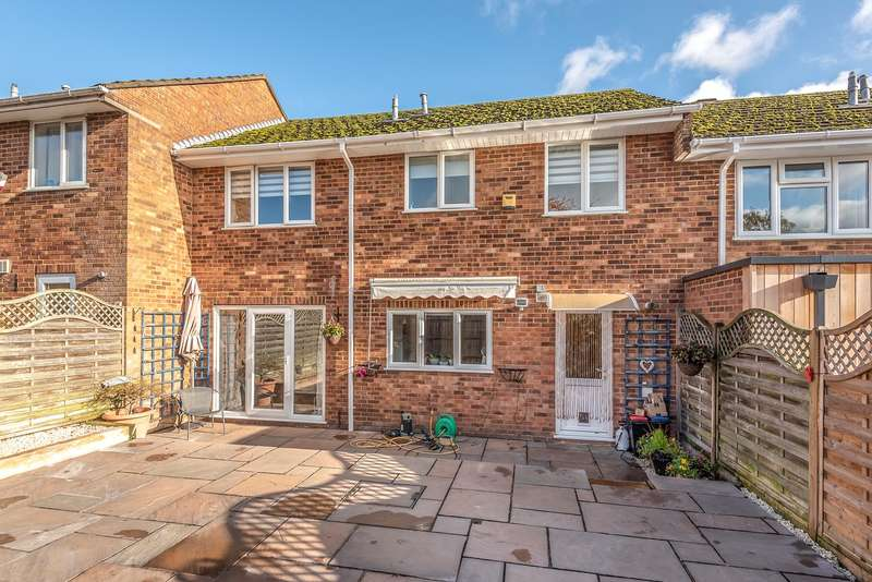 4 Bedrooms Terraced House for sale in Barrards Way, Seer Green, Beaconsfield, HP9
