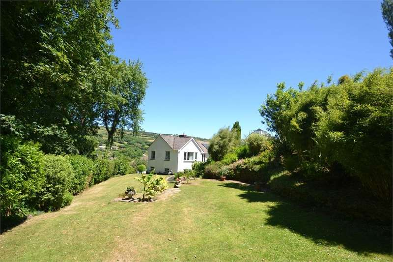 4 Bedrooms Detached Bungalow for sale in Knowle Gardens, Combe Martin, Ilfracombe, EX34