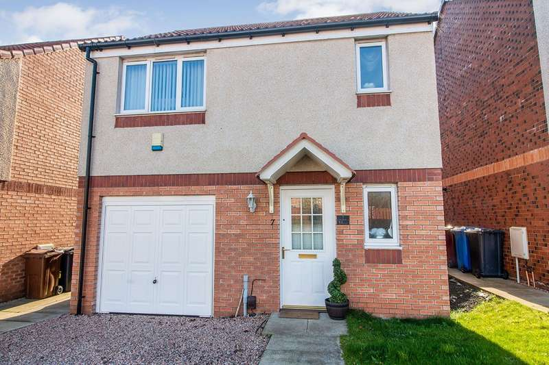 3 Bedrooms Detached House for sale in St. Michaels Yard, Dundee, DD4