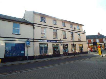 1 Bedroom Flat for sale in High Street, Walton on the Naze, Essex
