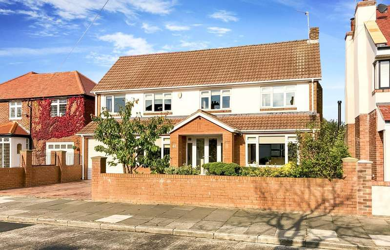 4 Bedrooms Detached House for sale in Brierdene Crescent, Whitley Bay