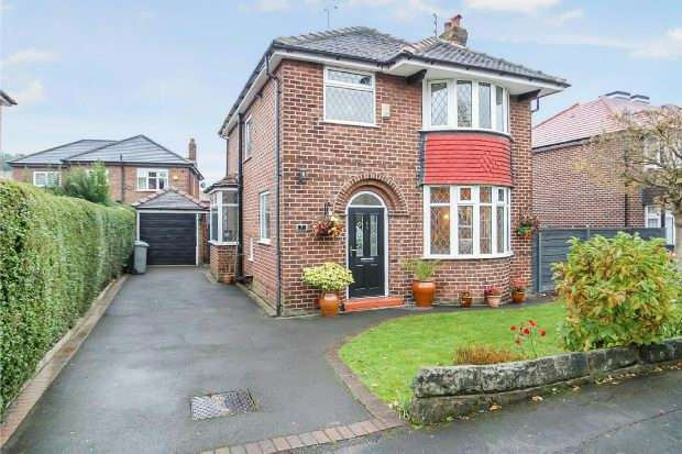 3 Bedrooms Detached House for sale in Laurel Drive, Timperley