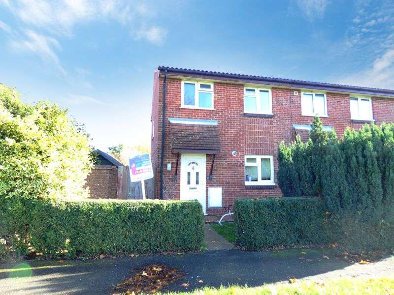 3 Bedrooms Property for sale in East House Avenue Stubbington, Fareham