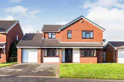 4 Bedrooms Detached House for sale in Pentire Road, Boley Park, Lichfield, Staffordshire