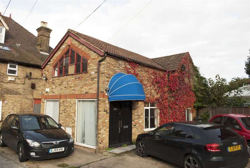 Commercial Property for rent in Princes Road, Buckhurst Hill