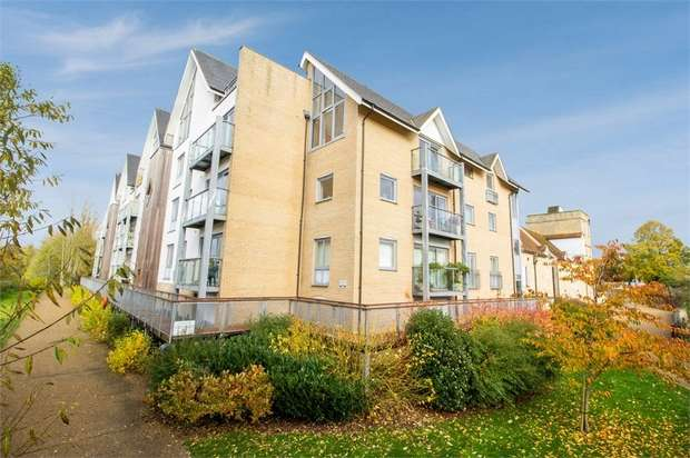 2 Bedrooms Flat for sale in Bakers Court, Great Cornard, Sudbury, Suffolk