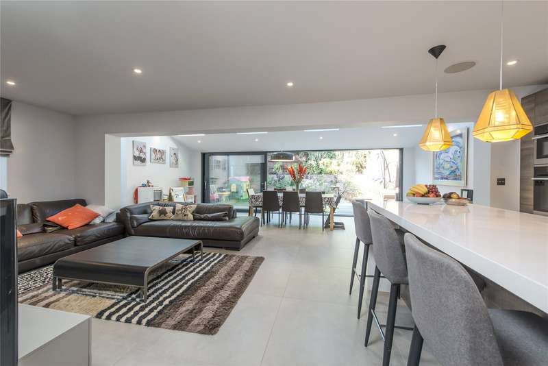 5 Bedrooms Semi Detached House for sale in Queensmere Road, Wimbledon, London, SW19