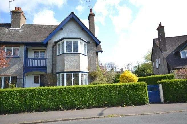 4 Bedrooms Property for sale in The Oval, Hull, East Riding of Yorkshire, HU8 8PN