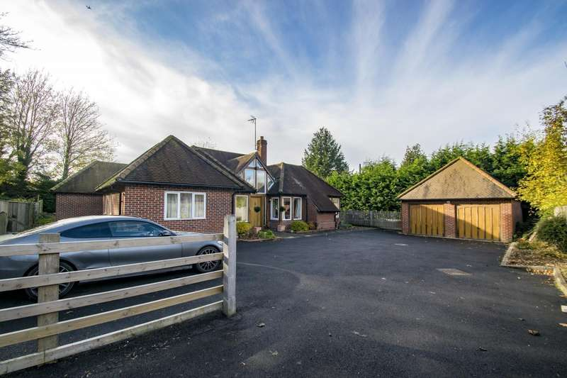 5 Bedrooms Detached House for sale in Woodcote, Reading, RG8