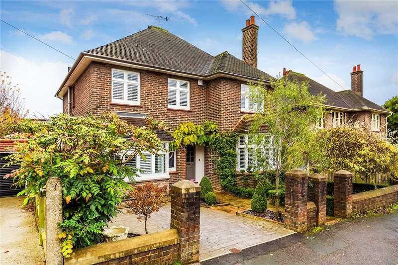 5 Bedrooms Detached House for sale in Evesham Road, Reigate, Surrey, RH2