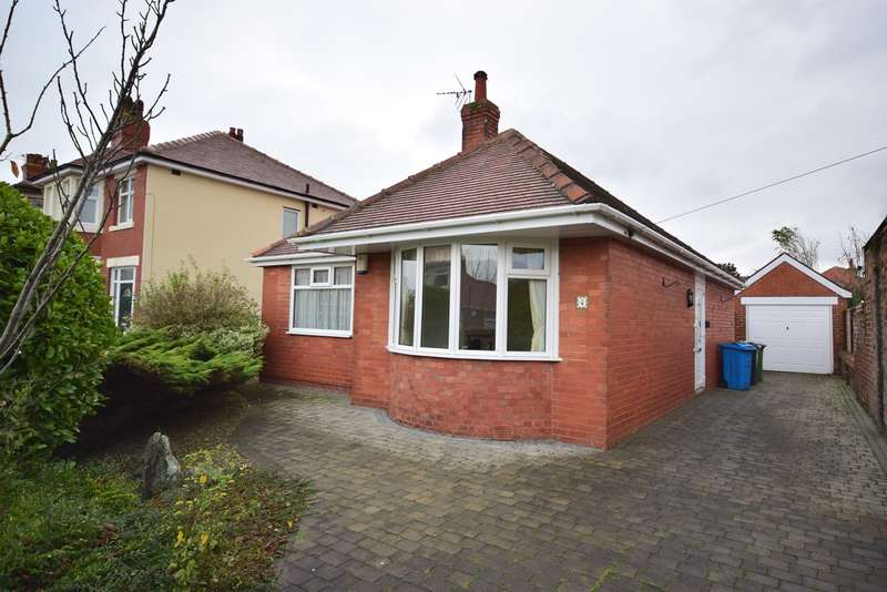 2 Bedrooms Detached Bungalow for sale in Lawrence Avenue, Lytham St Annes, FY8