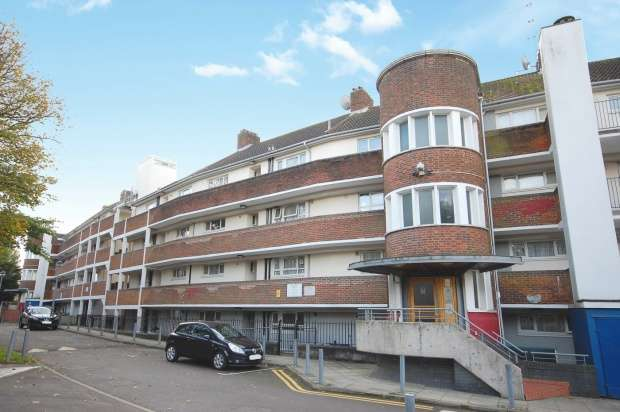 Flat for sale in John Buck House, London, Middlesex, NW10 4BZ