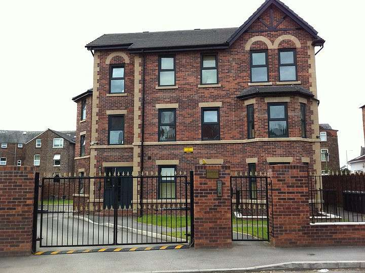 5 Bedrooms Apartment Flat for rent in Portland Crescent, Manchester