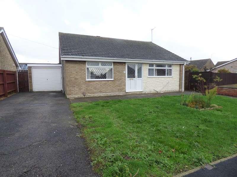 3 Bedrooms Detached Bungalow for sale in Lindisfarne Road, Eye, Peterborough, PE6 7XH