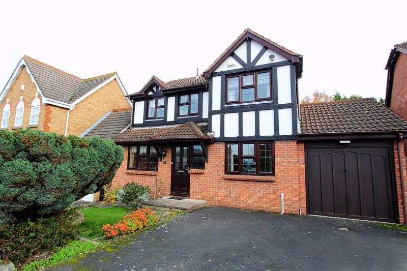 4 Bedrooms Property for sale in Woodland Way, Greenhithe