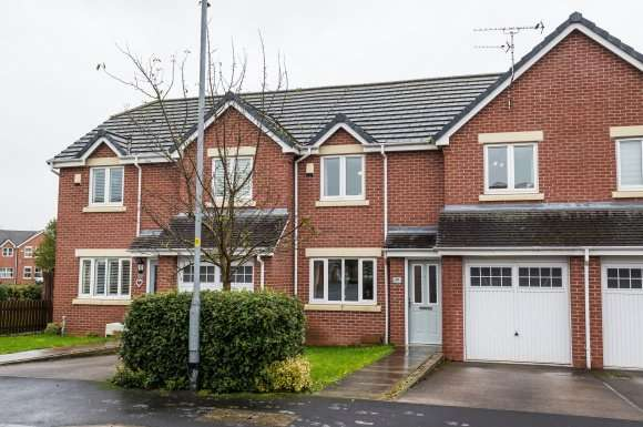 3 Bedrooms Property for sale in Blakehill