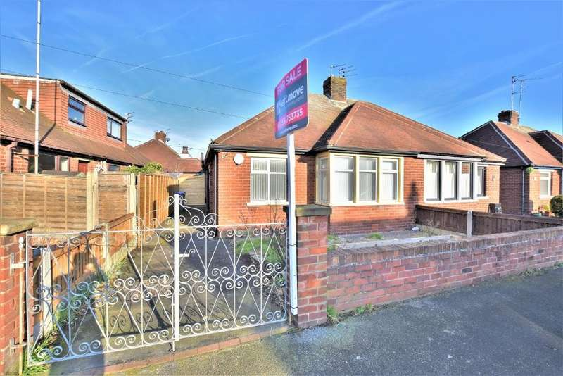 2 Bedrooms Semi Detached Bungalow for sale in Stockydale Road, Blackpool