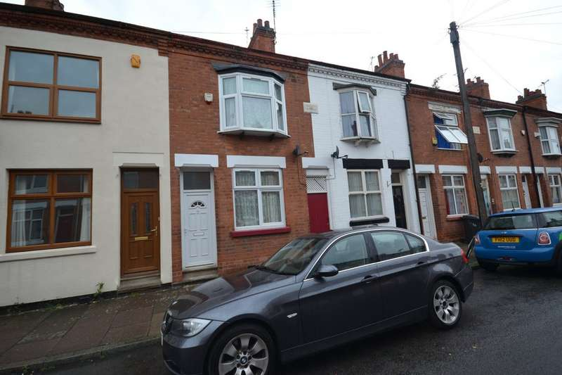 2 Bedrooms Terraced House for rent in Raymond Road, West End LE3