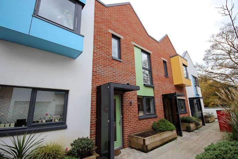 2 Bedrooms Property for sale in Paintworks, Arnos Vale, Bristol BS4