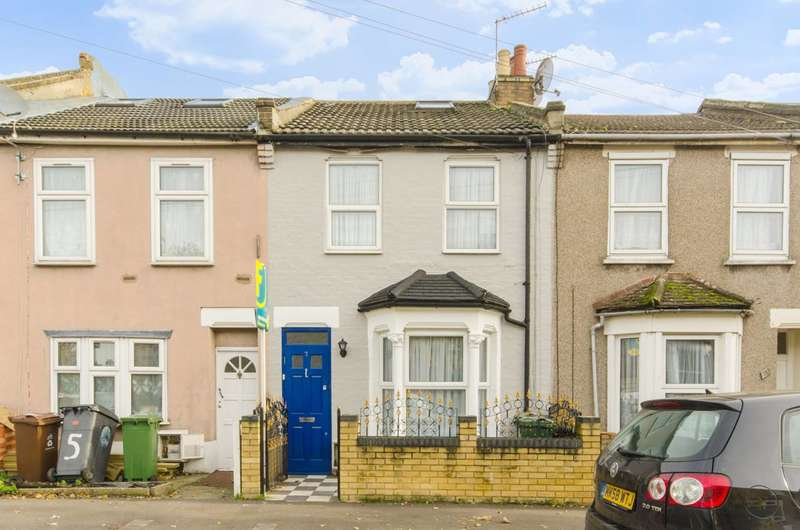 4 Bedrooms Terraced House for sale in Springfield Road, Walthamstow, E17